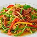 料理メニュー写真牛肉と彩り野菜のチンジャオロース