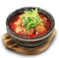 【人気NO.2の石鍋メニューのご紹介】石鍋白身魚の辛子煮⇒体の中から温まるヘルシーアツアツメニュー♪