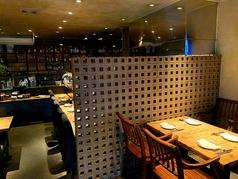 色々な用途で使用でいるテーブルはレイアウト自由自在!人数に合わせて配置できます♪歓送迎会や女子会、ママ会、誕生日会などに◎