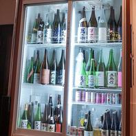 地酒40種以上飲み放題!冷蔵庫からお好きなお酒をどうぞ