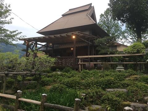 早良の山間部、室見川の河畔にたたずむ風光明媚な築100年の古民家を利用した店舗