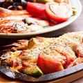 料理メニュー写真魚介と野菜の洋風鉄板焼き