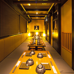 情緒溢れる和モダン個室空間。大宮での飲み会やご宴会、接待、女子会などに最適です。落ち着きのある空間をご提供いたします。