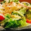 料理メニュー写真大根玉ねぎサラダ / カリジャコ豆腐サラダ