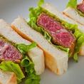 名物ヒレカツサンド:こだわり自家製ソースで大人気のヒレカツサンド。寿司屋の逸品とは思えない美味しさをぜひご賞味下さい。