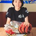 料理メニュー写真「ざる見せ」からお好きな魚を一本お選びいただけます。