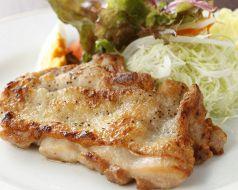 国産鶏モモステーキ(ソテェー又は、網焼き)自家製デミグラス又は、おろしポン酢ライス又は、パン
