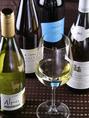 白ワインは、フランス・イタリア・チリ…、辛口~甘口のものまで御用意しております。