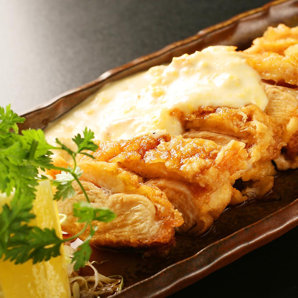 お仕事帰りの一杯にも!九州をテーマにした料理も楽しめる定番居酒屋としてもご利用ください!