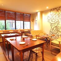 デザイン性あるオシャレな癒し空間☆2Fは個室貸切も可!
