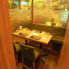 【個室】4名様の個室は女子会や、誕生日会にもおすすめです。個室は人気のためご予約をおすすめします