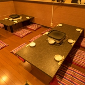 テーブル席は少人数でも間仕切りで個室にできます♪新橋/韓国料理/焼肉/人気/個室/食べ放題/飲み放題/サムギョプサル/チーズタッカルビ/貸切/宴会/歓迎会/送別会/肉バル/肉/焼肉/完全個室/日本酒/野菜