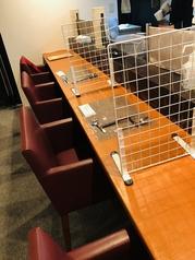 カウンター席です!ランチにはお一人の方を優先的にお通し致します!絶品のローストビーフ丼を是非ご賞味ください♪