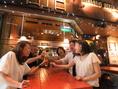 【夏季限定!!】大通りの電車通り沿いのため、街行く人々を眺めながらビールやワインなどを楽しめます。例えばビアガーデンの帰りにも◎。テーブル×2で最大8名ほどまで座れます。暖かいの夜にはビールが一層美味しくお飲みいただけます♪ご予約はお早めに!