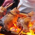 正式名称は「赤むつ」。喉の奥が黒いことから新潟・北陸地方では「のどぐろ」と呼ばれている高級魚。白身のトロと称されるように、脂がのっており炭火焼きでその濃厚な味わいをお楽しみくださいませ。大宮の居酒屋で絶品の海鮮料理を堪能したいなら、いかの墨へ!