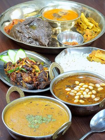 スパイスたっぷり☆本格的なネパール料理をご堪能ください