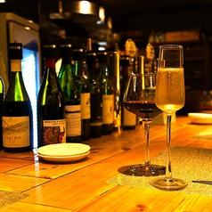 ◆おひとり様でのご利用もお待ちしております。しっぽり飲むのもよし、会話を楽しんでいただくのもよし。お好きなスタイルでお寛ぎ下さい。