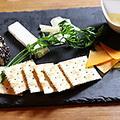 料理メニュー写真4種のチーズの盛り合わせ