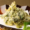 自慢のあおさのりの天ぷらはサクサクとした歯触りと、のりの香りがクセになります。