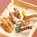 料理メニュー写真串焼き盛り合わせ 塩またはタレ