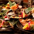 てしごと家関内店では、旬の鮮魚や季節の食材をふんだんに使った宴会コースを多数ご用意しております!こだわりの逸品を盛り込んだコースはボリュームも満点!たっぷり2時間半飲み放題が付いたコースもおすすめです!会社のご宴会、仲間との飲み会、女子会、ママ会などにぜひご利用下さい!