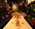 席の配置や飾り付けなど変幻自在☆風船をみんなで膨らまして壁に飾ったり、テーブルにお花を飾ったりして、自分達だけのお部屋のデコレーションも楽しもう♪お誕生日会やブライダル2次会にGOOD☆ o(≧▽≦)o ☆