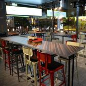 ニューヨークのレストランの様、洗練された空間。
