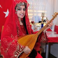 トルコの楽器も楽しめます
