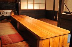 2階席は10名様前後でのご利用で貸し切り可能、半個室になります。