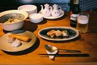 カウンターのある中華飯店