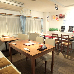 中華居酒屋 餃子バル バーバラ屋 藤沢南口の雰囲気1