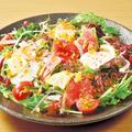 料理メニュー写真魚民海鮮サラダ