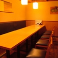 靴を脱ぎたくないお客様や、テーブル席がお好きな方にオススメの席です。2~4名様用テーブル席もございます。