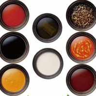 【だし特選鍋】は9種類から2種類お選び頂けます