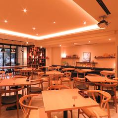RESTAURANT CAFE BAR SORRISO ソリッソ 博多口の雰囲気1