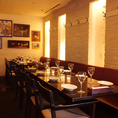 【半個室のテーブル席】最大16名様まで可能な、テーブル席です。中規模宴会や、ママ会、懇親会にもぴったり♪