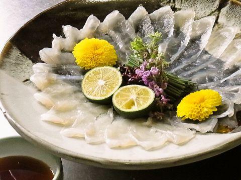 四季折々の食材をつかった郷土料理、これから旬のふぐ料理を堪能頂けます。