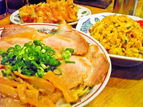 国産の豚肉を使い、小麦から作った北海道産の麺を使用した醤油ラーメンは絶品!