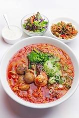 料理メニュー写真A、選べるラーメン&ガパオセット(■ミニガパオ■グリーンサラダ■ミニタピオカ 付)