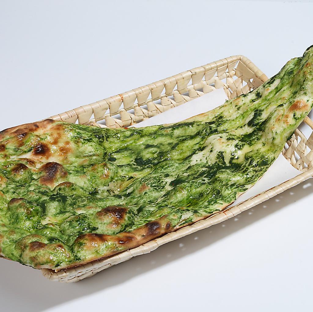 《ナンの種類が豊富★》定番のナンからほうれん草・明太チーズやあんこチーズナンなど10種類以上!!