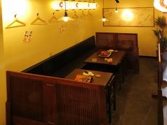 広々として開放的なテーブル席も豊富にご用意しております。絶品九州料理と共に、雰囲気もお愉しみください♪ちょっとした宴会や仲間内としっぽり語り合ったりするのにもピッタリです◎