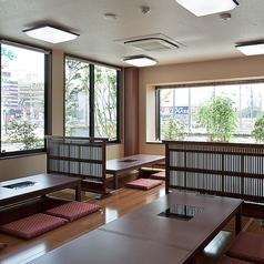 食処 さんぞくや 東福岡店の雰囲気1