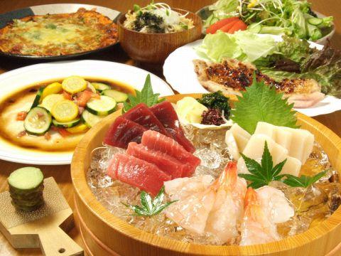 """鮮魚が自慢の""""魚菜""""は、その味に定評がある一軒です。大人が知っておきたい一軒です"""