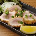 料理メニュー写真朝挽き鶏のレア唐揚げ