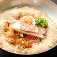 「コラーゲン冷麺」や「李休特製テールスープ」など女性に大人気のメニューを豊富にご用意しております。コラーゲンたっぷりの韓国料理を落ち着いた店内でごゆっくりお楽しみください。女子会,飲み会に◎
