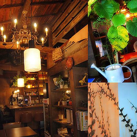都会の隠れ家カフェ。非日常になれる空間が人気です☆