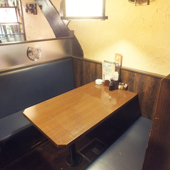 各種テーブル席を取り揃えています