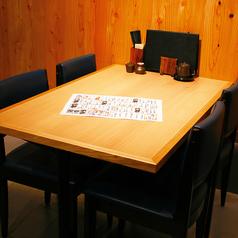 気軽にご利用頂ける開放感あるテーブル席/2名~6名