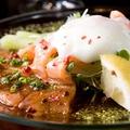 料理メニュー写真アスパラと鮮魚のカルパッチョ 温玉のせ