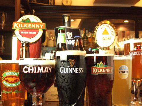 GUINNESS BEST PUBS 2012にも選ばれた名店★20種以上のワールドビールを楽しめます♪